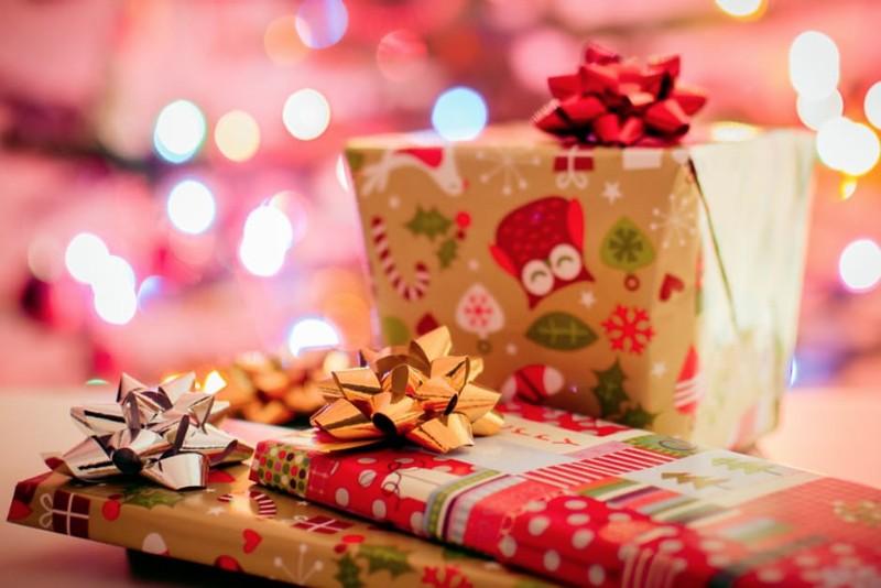 christmas-gifts-free-image