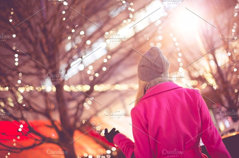 image-beautiful-woman-christmas-market