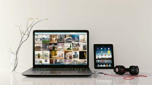 Laptop Ipad Music