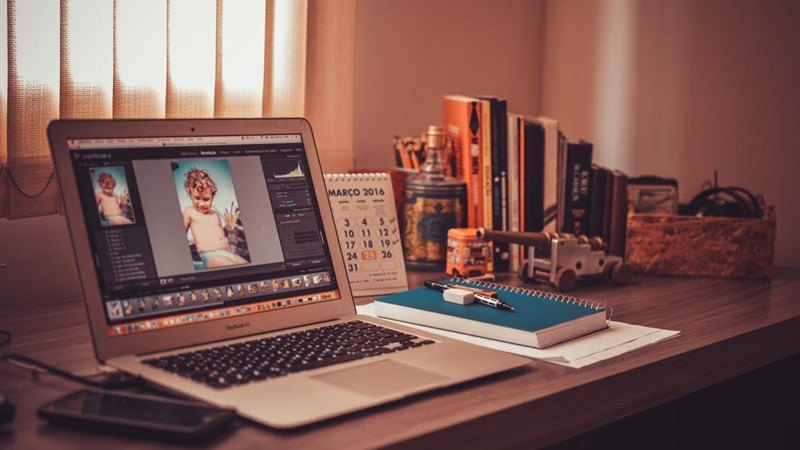 Books, Macbook Workdesk